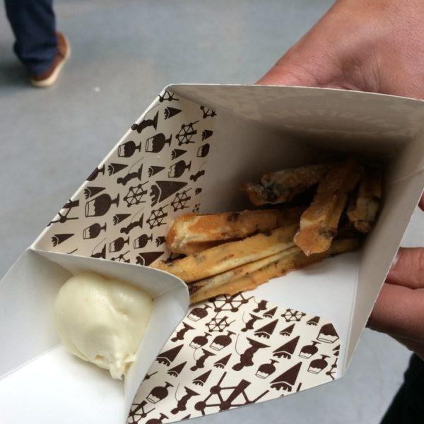 Frietjes van brusselse wafels en witte cocolade