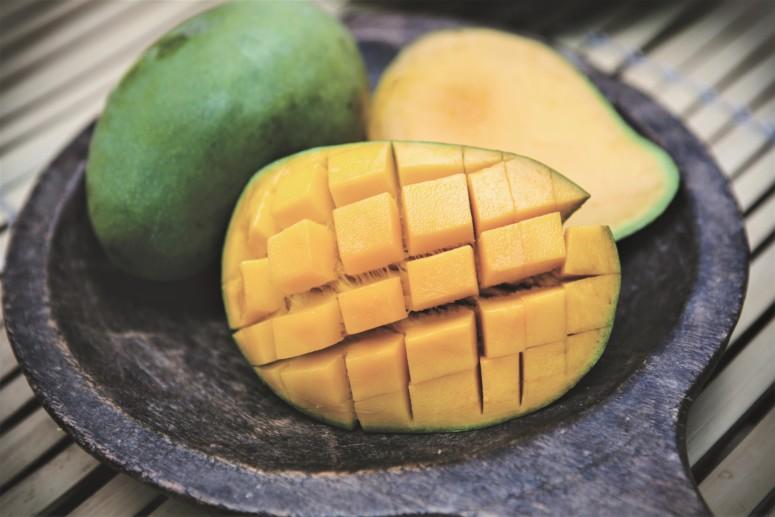 Fruit is heerlijk op een vegetarische barbecue