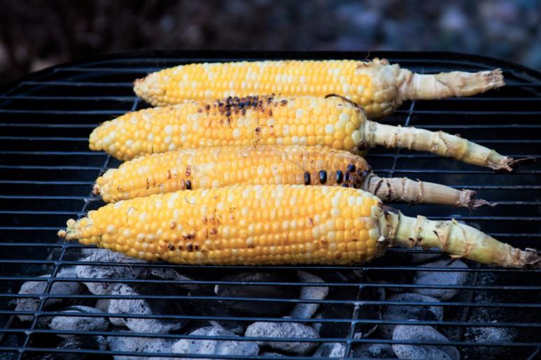 Recept voor gegrilde mais ideaal bij een vegetarische barbecue