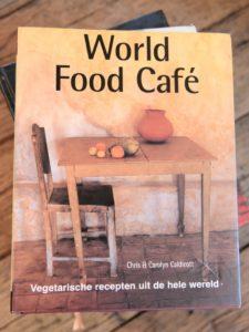 Kookboek vegetarisch: World Food Cafe van Chris & Carolyn Caldicott