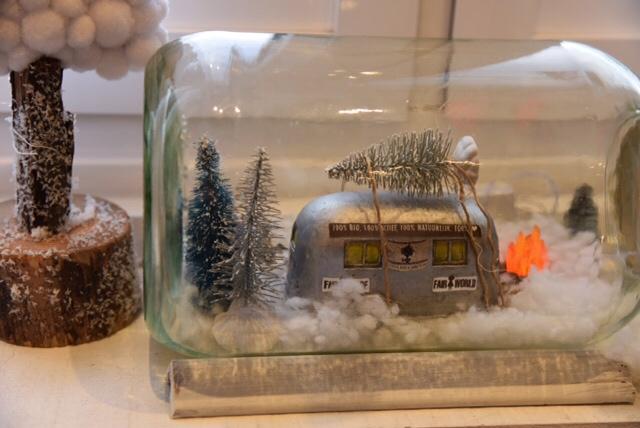 een kerst foodtruck in een glas die je maaltijd box brengt