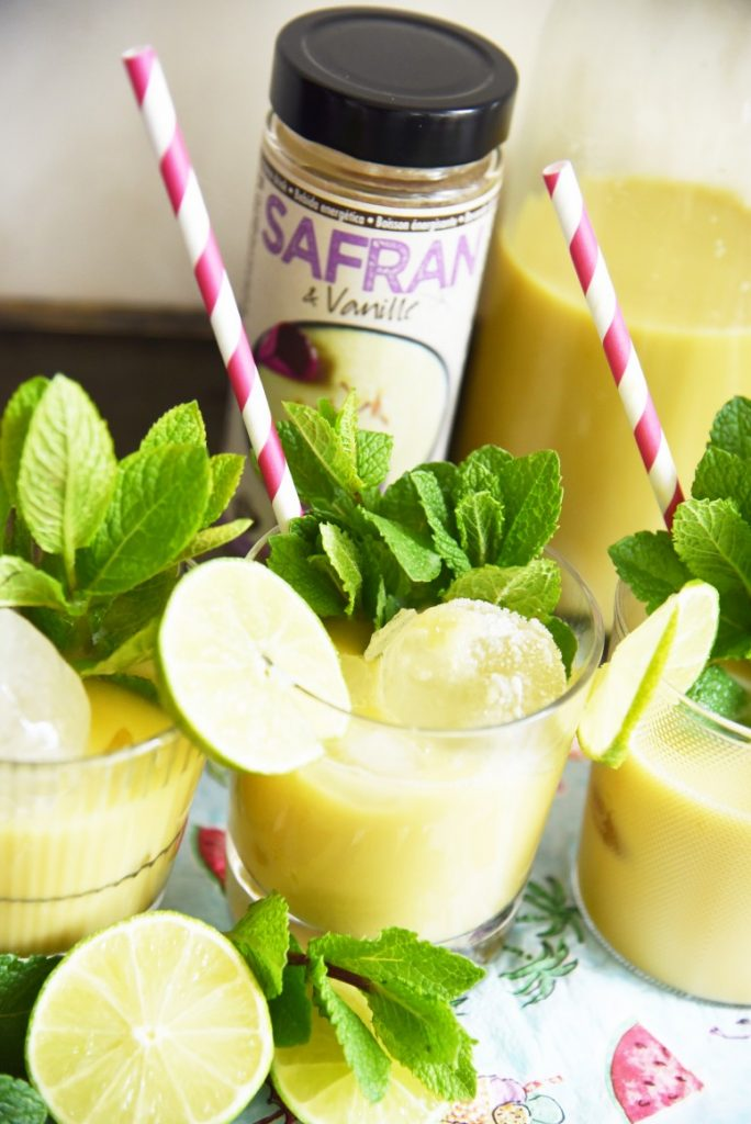 Summer mocktail with saffron, vanilla, mint and lemon.